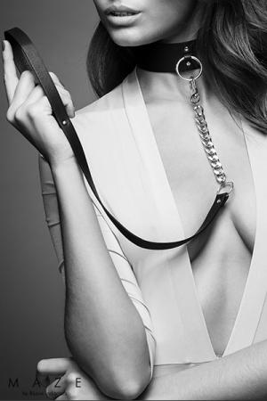 Collier Choker avec laisse noir - Maze : Un collier de soumission et sa laisse amovible pour reprendre le contrôle de votre soumise quand c'est nécessaire.