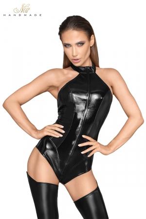 Body faux cuir et wetlook F198 : Body dos nu super sexy en faux cuir laqué et wetlook, avec un triple zip devant qui descend jusqu'à l'entre-jambes.