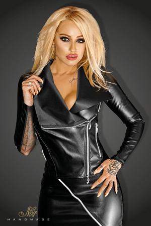 Perfecto Snobish : Blouson sexy style perfecto en faux cuir mat et tulle, zips argentés et ornement NOIR en lettres métal dans le bas du dos.